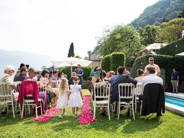 Il matrimonio di Til e Elena a Laglio, Como 28