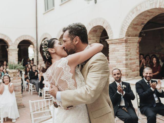 Il matrimonio di Fabio e Annaluce a Collecorvino, Pescara 30