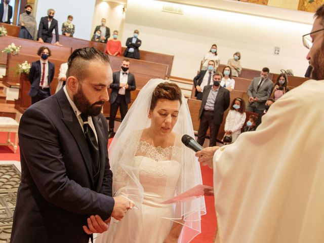 Il matrimonio di Laura e Vincenzo a Quarrata, Pistoia 24