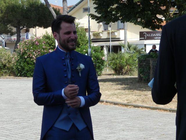 Il matrimonio di Giacomo e Gaia a Viareggio, Lucca 13