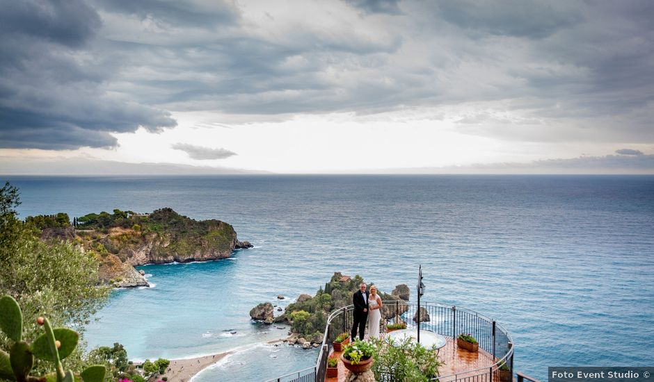 Il matrimonio di Shannon e Natalie a Taormina, Messina