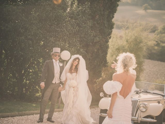 Il matrimonio di Francesco e Sabrina a Cecina, Livorno 16