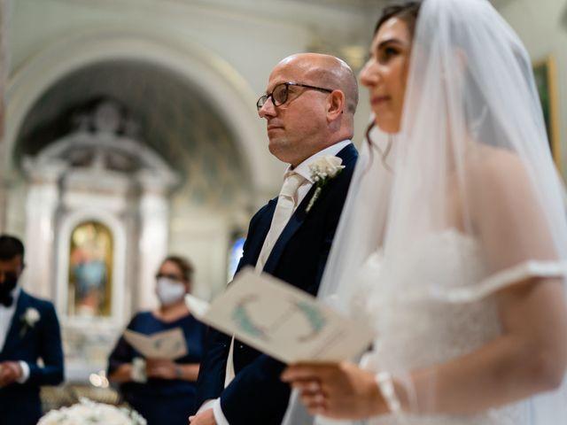Il matrimonio di Alessandro e Jessica a Parabiago, Milano 32