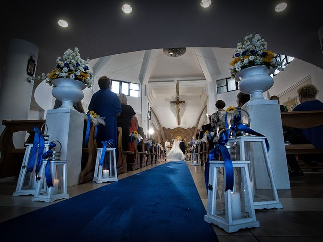 Il matrimonio di Carlo e Chantal a Lamezia Terme, Catanzaro 7