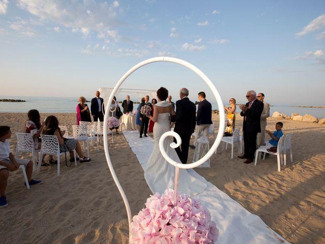 Il matrimonio di Daniele e Barbara a Francavilla al Mare, Chieti 20