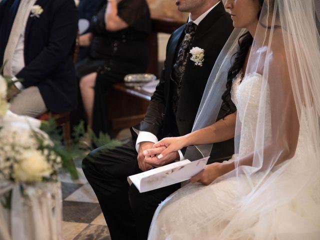 Il matrimonio di Davide e Roberta a Carrara, Massa Carrara 28