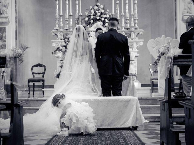 Il matrimonio di Davide e Roberta a Carrara, Massa Carrara 32