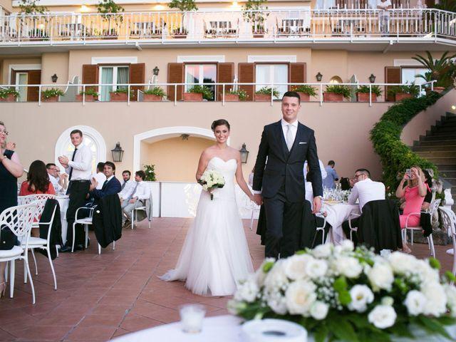 Il matrimonio di Nicola e Rosa a Sorrento, Napoli 35
