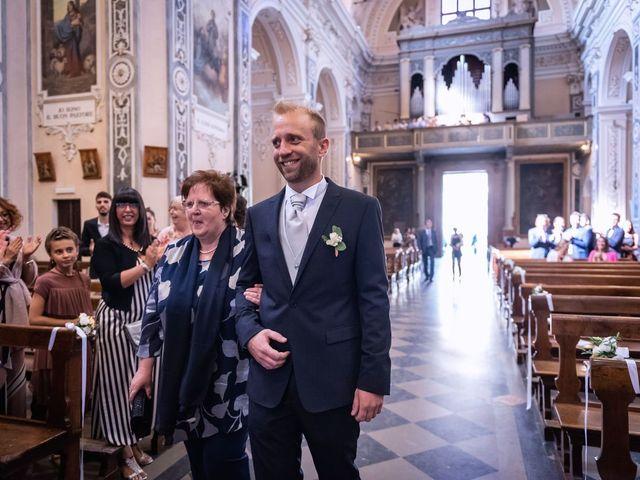 Il matrimonio di Stefano e Claudia a Besozzo, Varese 26