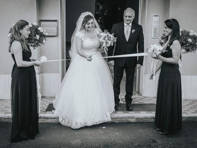 Il matrimonio di Michele e Veronica a Casacanditella, Chieti 30