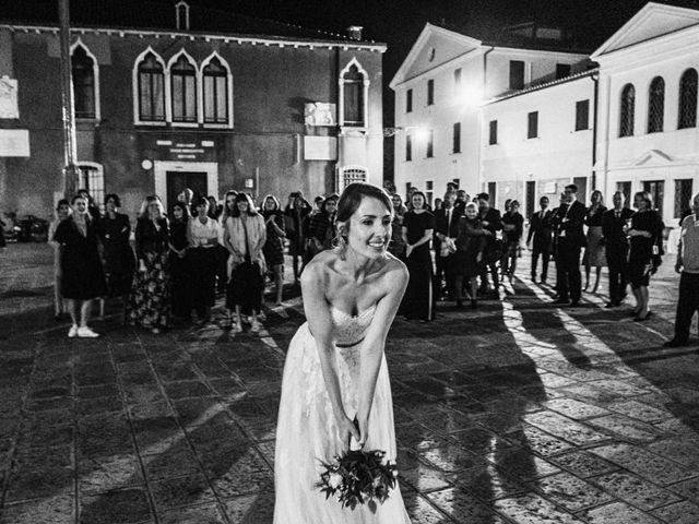 Il matrimonio di Luca e Danielle a Lido di Venezia, Venezia 76