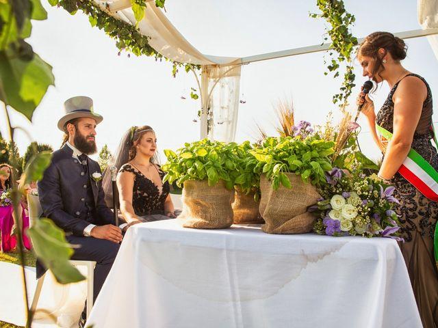 Il matrimonio di Antonio e Erica a Salvirola, Cremona 24
