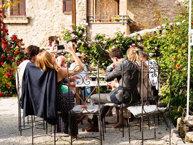 Il matrimonio di Patrik e Fiona a Massa Martana, Perugia 44