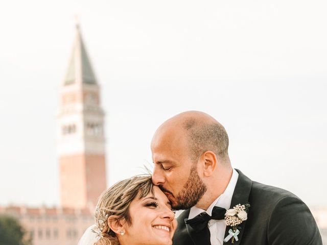 Il matrimonio di Marco e Giulia a Lido di Venezia, Venezia 67