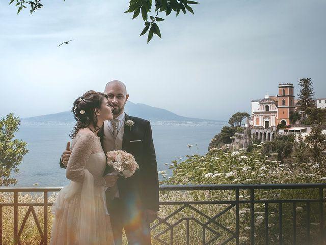 Il matrimonio di Vincenzo e Romina a Vico Equense, Napoli 8