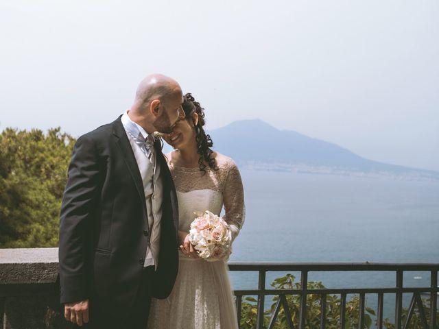 Il matrimonio di Vincenzo e Romina a Vico Equense, Napoli 16