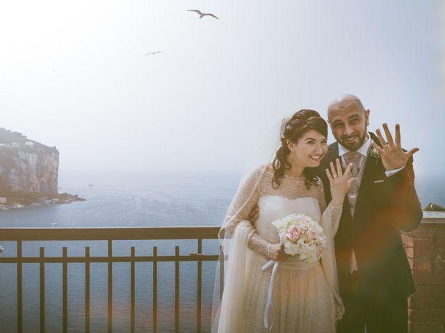 Il matrimonio di Vincenzo e Romina a Vico Equense, Napoli 30