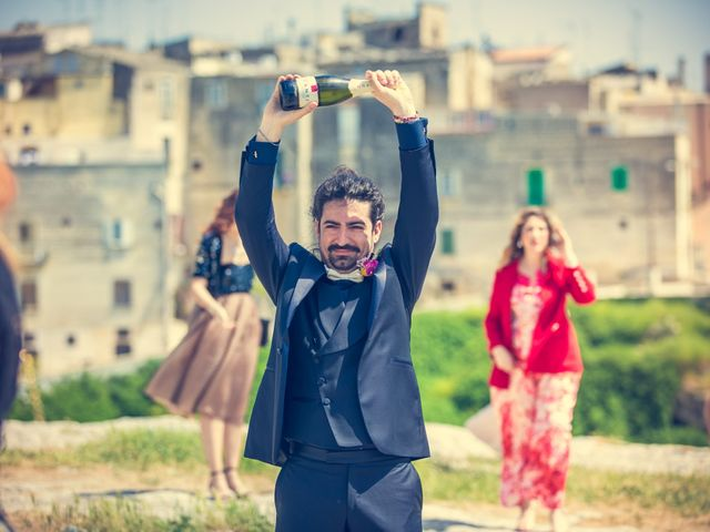Il matrimonio di Vincenzo e Serena a Gravina in Puglia, Bari 26