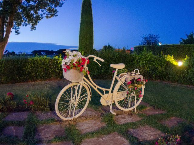 Il matrimonio di Marco e Vanessa a Lari, Pisa 37
