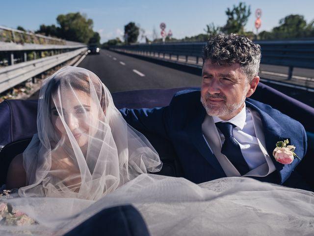 Il matrimonio di Matteo e Sara a Torre del Lago, Lucca 19