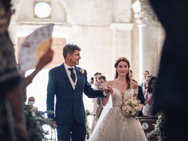 Il matrimonio di Matteo e Sara a Torre del Lago, Lucca 20