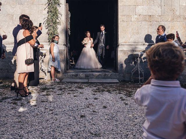 Il matrimonio di Matteo e Sara a Torre del Lago, Lucca 30