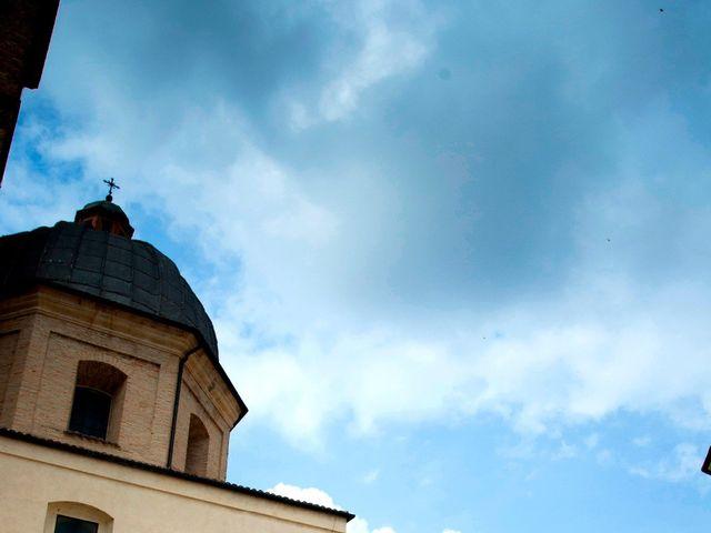 Il matrimonio di Luca e Eleonor a San Severino Marche, Macerata 7