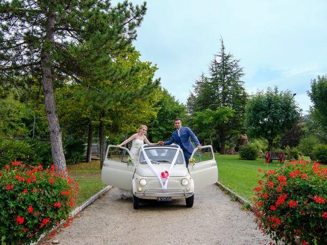 Il matrimonio di Luca e Eleonor a San Severino Marche, Macerata 13