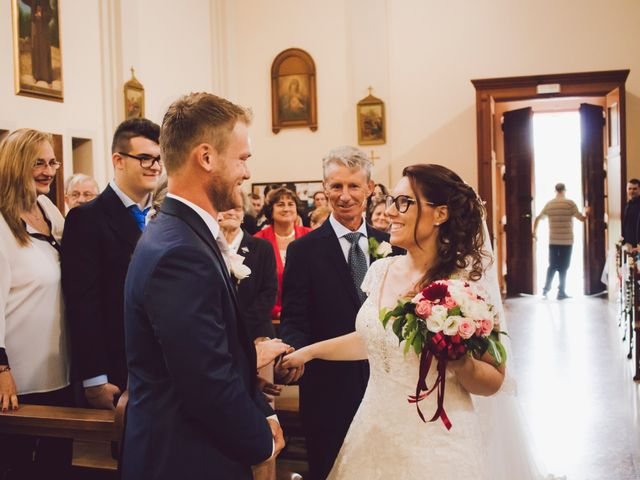 Il matrimonio di Mirco e Valentina a Nervesa della Battaglia, Treviso 12