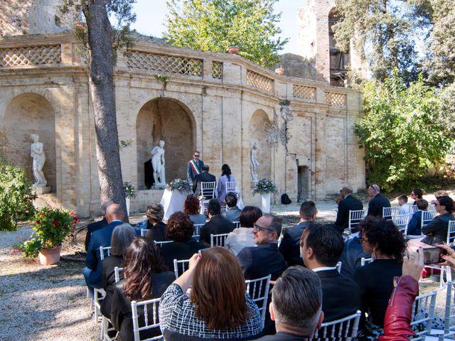 Il matrimonio di Francesco e Loredana a Porto San Giorgio, Fermo 3