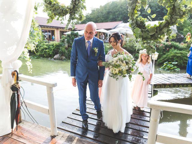 Il matrimonio di Luca e Debora a Grandate, Como 35
