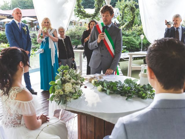 Il matrimonio di Luca e Debora a Grandate, Como 40