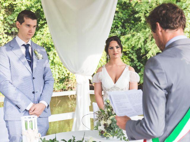 Il matrimonio di Luca e Debora a Grandate, Como 44