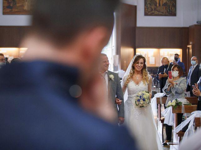 Il matrimonio di Christian e Stella a Cogliate, Monza e Brianza 24