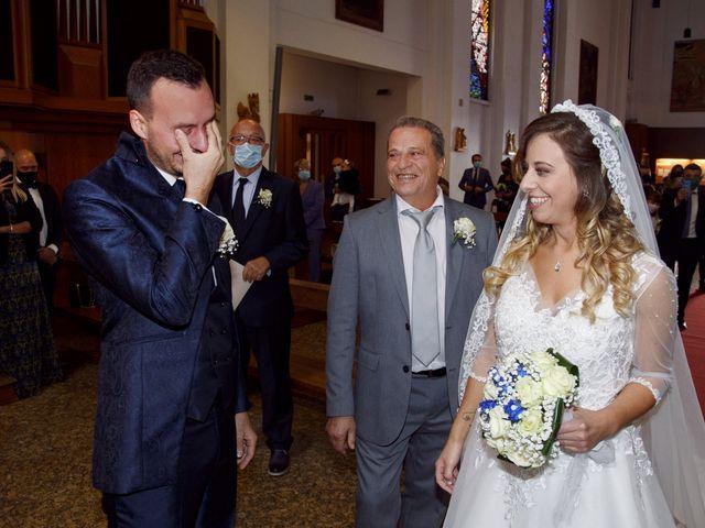 Il matrimonio di Christian e Stella a Cogliate, Monza e Brianza 25