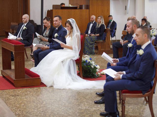 Il matrimonio di Christian e Stella a Cogliate, Monza e Brianza 27