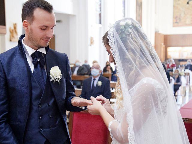 Il matrimonio di Christian e Stella a Cogliate, Monza e Brianza 29