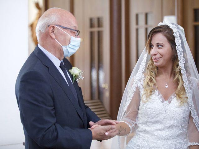 Il matrimonio di Christian e Stella a Cogliate, Monza e Brianza 34