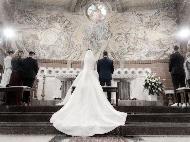 Il matrimonio di Loris e Annie a Potenza Picena, Macerata 16