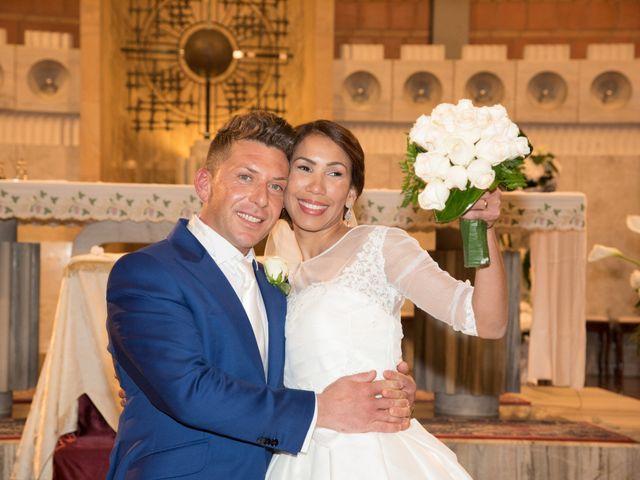 Il matrimonio di Loris e Annie a Potenza Picena, Macerata 18