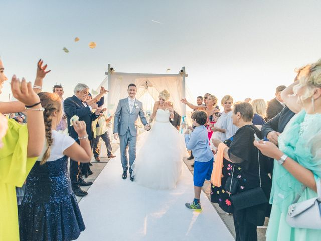 Il matrimonio di Alessandro e Sara a Viareggio, Lucca 20