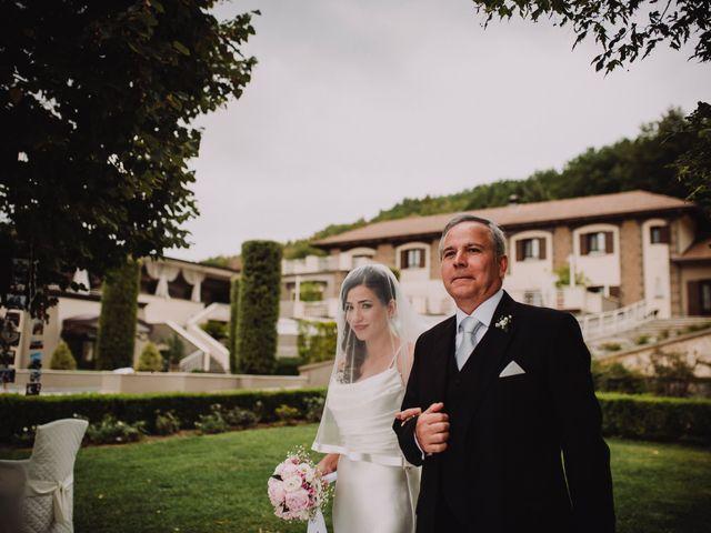 Il matrimonio di Ernesto e Emanuela a Caserta, Caserta 29