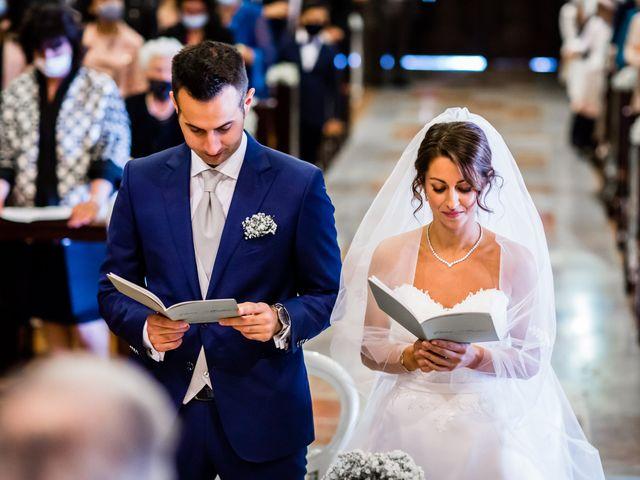 Il matrimonio di Mattia e Elena a Cantù, Como 30