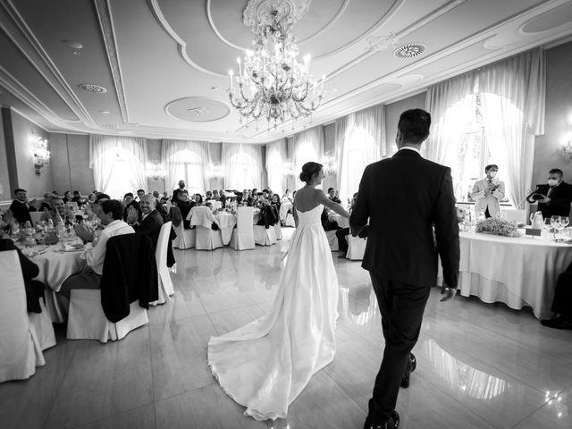 Il matrimonio di Mattia e Elena a Cantù, Como 56