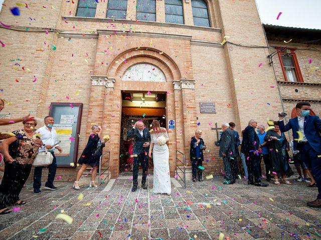Il matrimonio di Vanessa e Gianluca a Montecassiano, Macerata 17