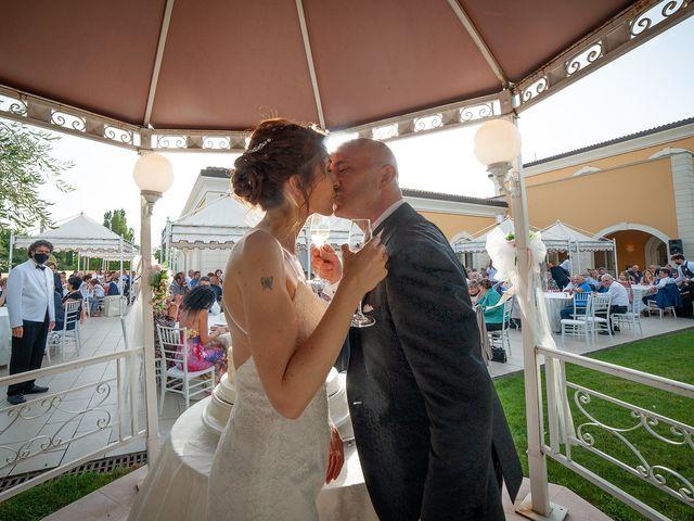 Il matrimonio di Vanessa e Gianluca a Montecassiano, Macerata 41