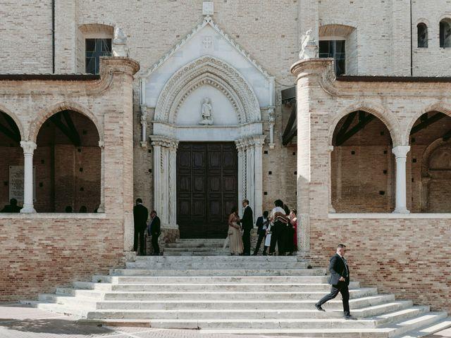 Il matrimonio di Manuel e Nilde a Città Sant'Angelo, Pescara 23
