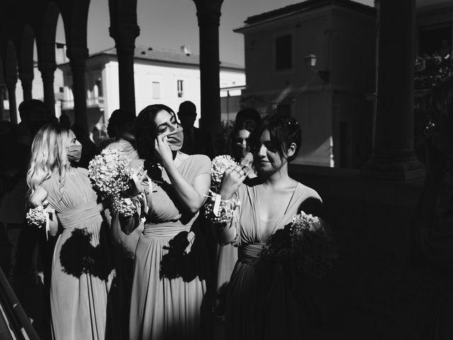 Il matrimonio di Manuel e Nilde a Città Sant'Angelo, Pescara 25