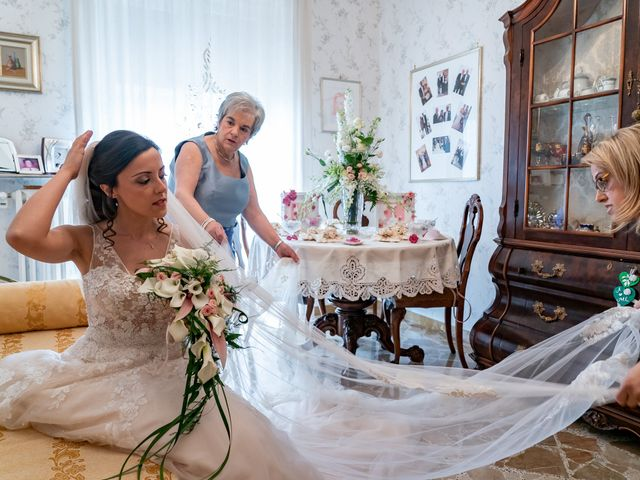 Il matrimonio di Maria Laura e Alessandro a Potenza, Potenza 1