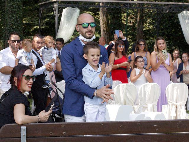 Il matrimonio di Christian e Anna a Cogliate, Monza e Brianza 29